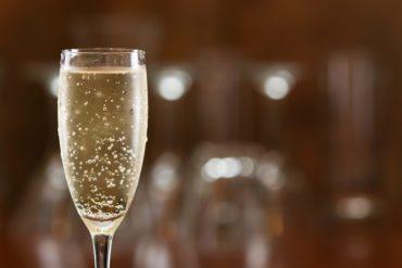 Single champaign glass