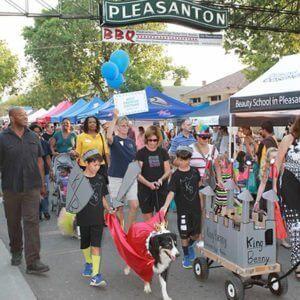 Pleasanton Pooch Parade